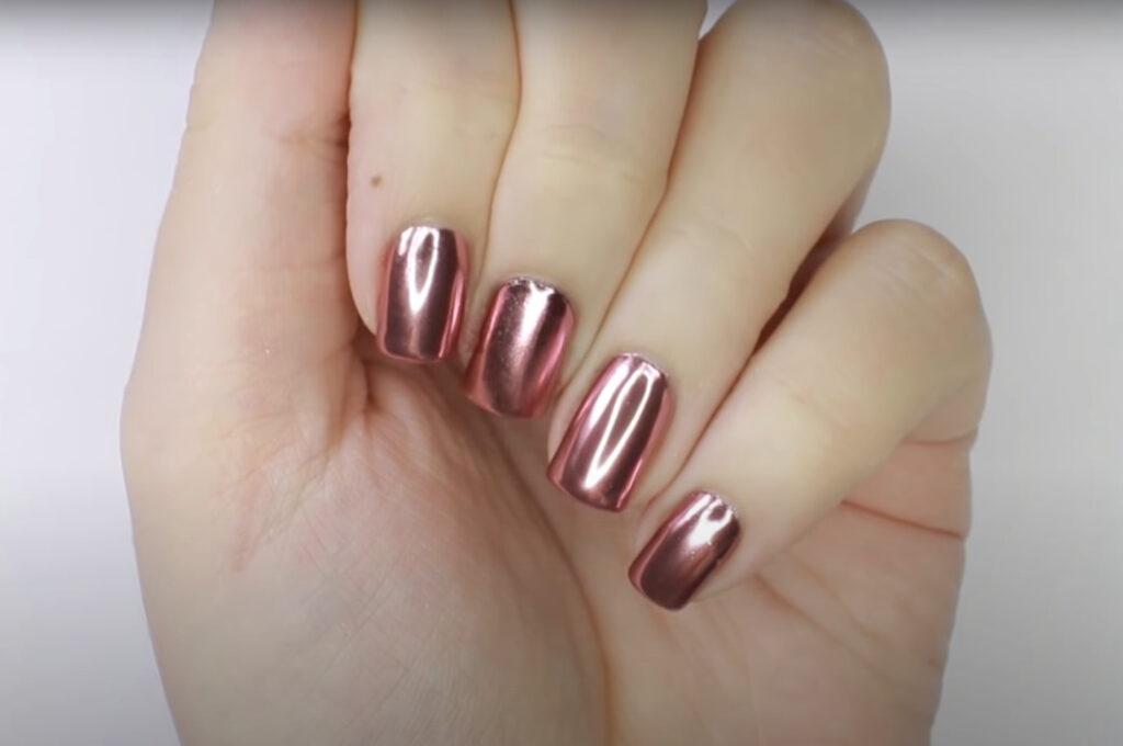 Chrome look nail polish