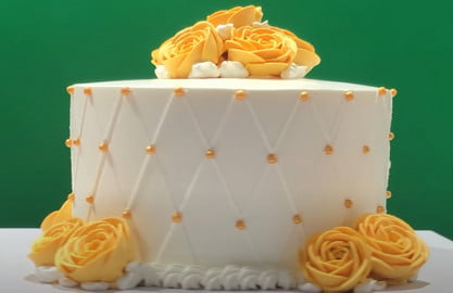 How long does cake last in the fridge?