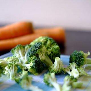 brocolli-carrots-foods